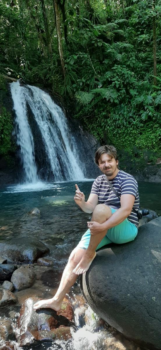 Marek u vodopádu