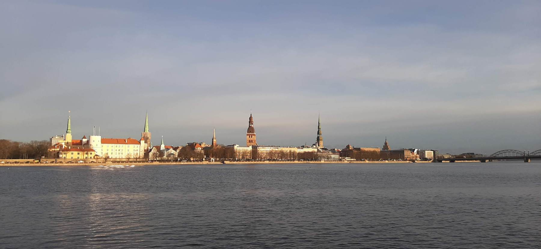 Pohled na staré město; Riga