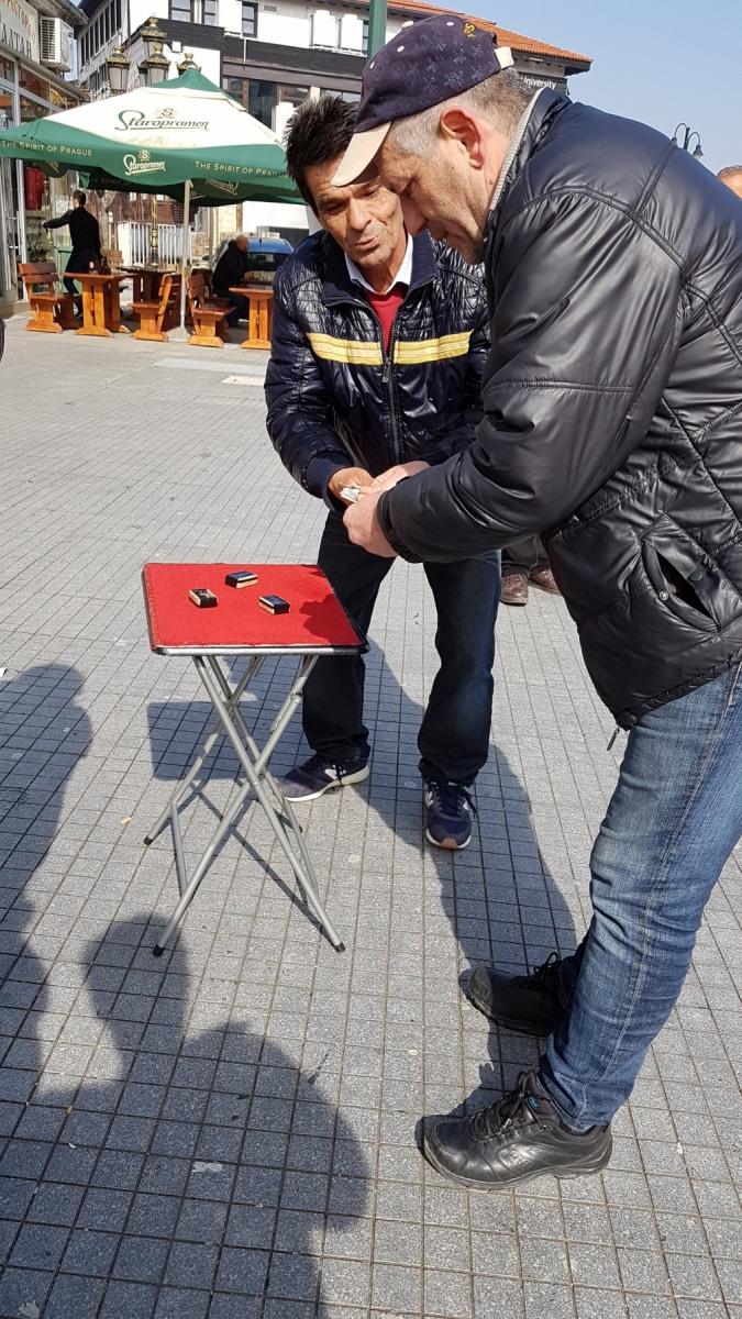 Hráči skořápek