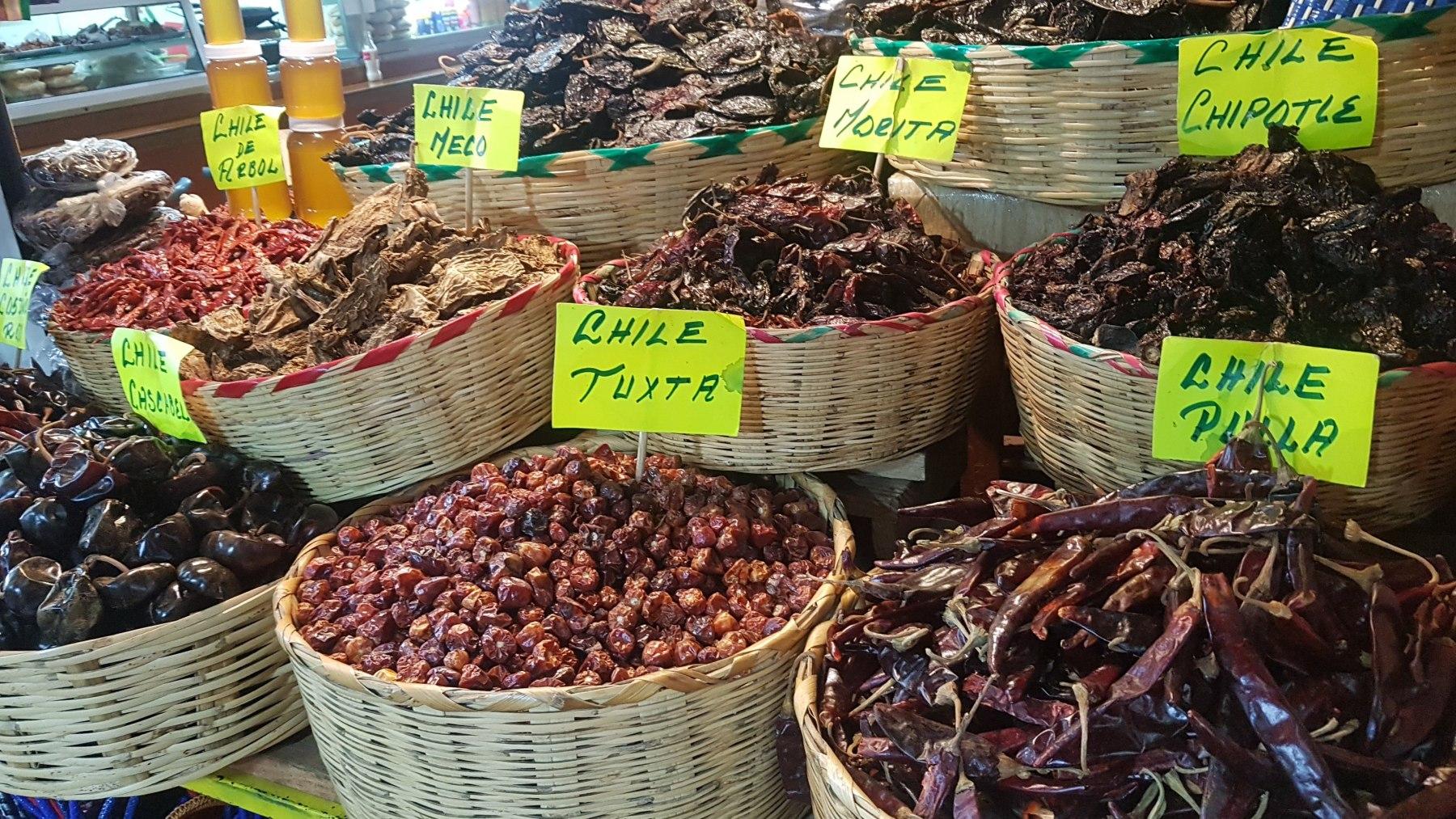papričky na trhu