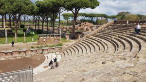 Ostie, Řím, Itálie, divadlo, vykopávky, antika